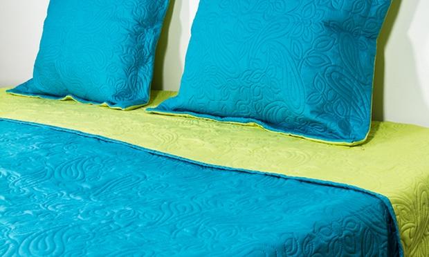 Boutis matelass avec 2 taies doreiller coloris au choix 34 90 50 de r duction toulon local for Boutis turquoise