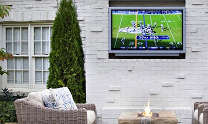 Blue Speed - Silver Oaks: $125 for Professional Flat-Screen-TV Mounting with Custom TV Mount from Blue Speed ($290 Value)