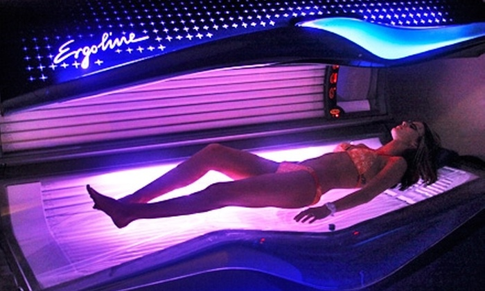 Tan Makers - Houston: $40 for One Airbrush Tan and One Month of Unlimited UV Tanning and Hydration Station Sessions at Tan Makers in Humble (Up to $238 Value)