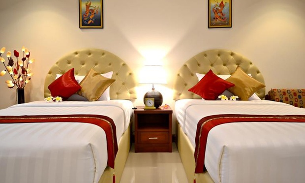 Bangkok: Hotel + Flights 1