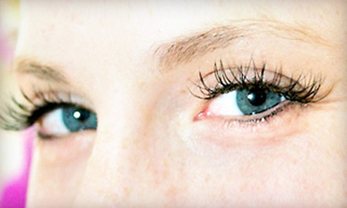 The Bridal Beauty Salon - The Bridal Beauty Salon: $50 for a Partial Set of Eyelash Extensions at The Bridal Beauty Salon ($105 Value)