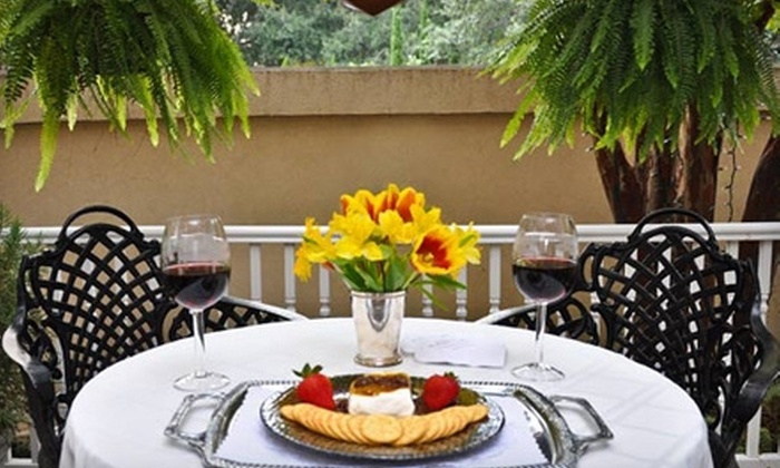 The Presidents' Quarters Inn - Historic District - North: $129 for a One-Night Stay, Breakfast, Evening Wine, and Hors d'Oeuvres at The Presidents' Quarters Inn (Up to $325 Value)