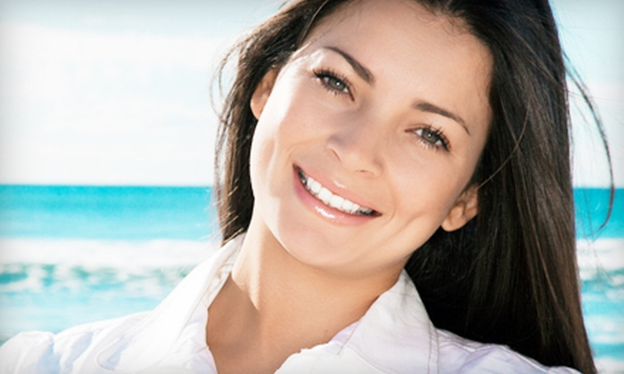 Canadian Smile Clinics: $49 for a Home Teeth-Whitening Kit for Two from Canadian Smile Clinics ($170 Value)