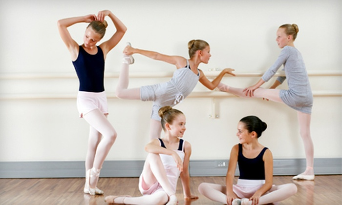 En Pointe - Torresdale: Two, Four, or Six Group Dance Lessons at En Pointe