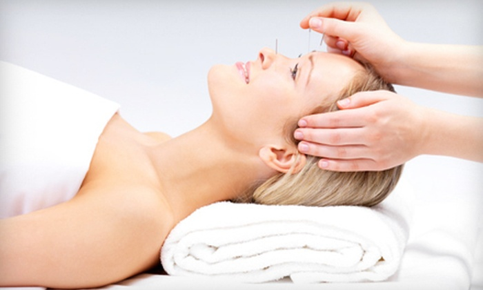 Chiropractic Therapeutics & Rehabilitation - St Vincent - Greenbriar: $39 for a One-Hour Acupuncture Treatment at Chiropractic Therapeutics & Rehabilitation ($125 Value)