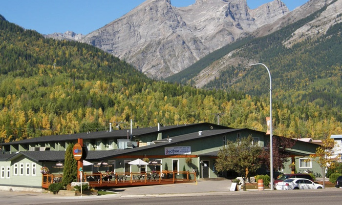 Red Tree Lodge - Fernie, BC: 2-Night Stay for Two at Red Tree Lodge in Fernie, BC. Combine Up to Four Nights.