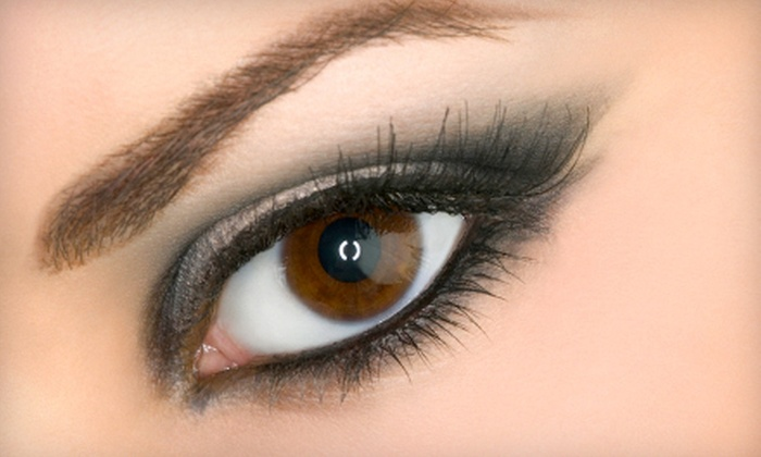 FaceToFace Spa - Avery West: $95 for a Full Set of Mascara-Look Eyelash Extensions at FaceToFace Spa ($195 Value)