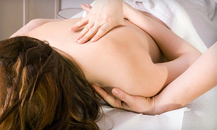 Wei's Nature Health Clinic - Sunnybrook - York Mills: 60- or 90-Minute Massage and Chiropractic Consultation at Wei's Nature Health Clinic (Up to 81% Off)