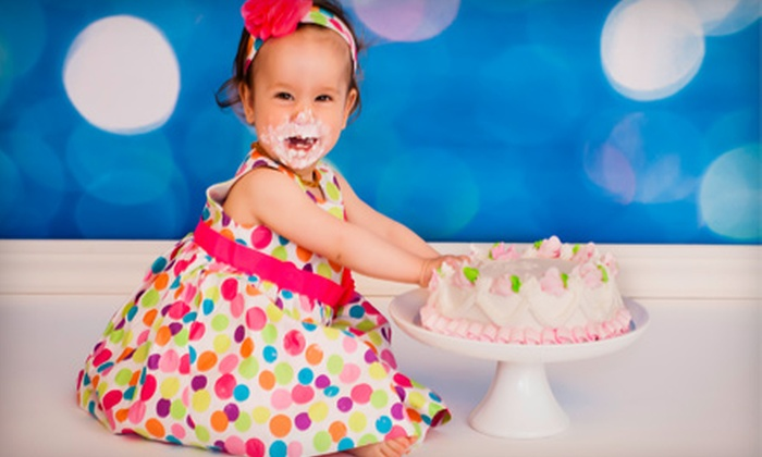 Apres Photography - Oakville: $85 for a 30-Minute Family, Maternity, or Children's Photo Shoot at Apres Photography ($175 Value)