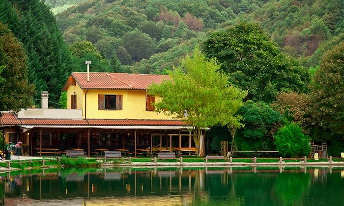 Lago lo specchio fino a 68 localit spedaletto pistoia groupon - Ristorante lago lo specchio ...