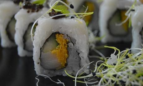 Japonés para 2 o 4 con entrantes, 28 o 56 piezas de sushi y bebida desde 21,95 € o para 2 con botella vino por 34,95 €
