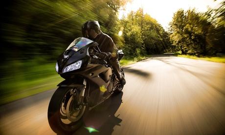 Curso para obtener el carné de moto A2 o de coche B con prácticas desde 29,90 € en Autoescuela Premium Oferta en Groupon