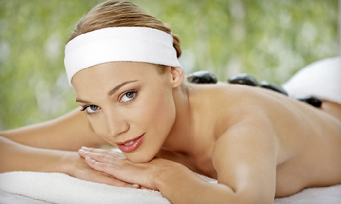 Relaxing Solutions Day Spa - Las Vegas: 50-Minute Custom Massage or 80-Minute Massage with Head and Foot Treatment at Relaxing Solutions Day Spa (Up to 54% Off)