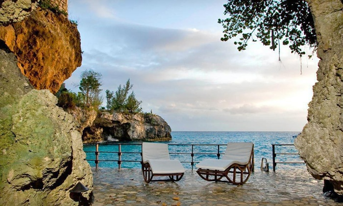 Villas Sur Mer - Negril, Jamaica: Three-Night Stay at Villas Sur Mer in Negril, Jamaica