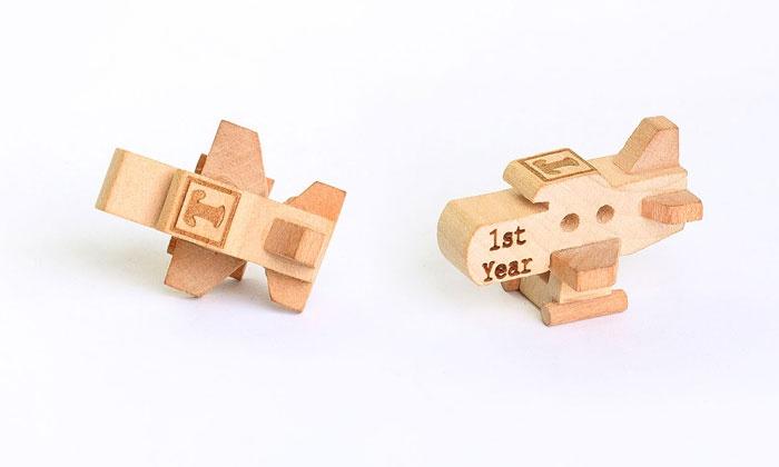 Monogramhub.com: $5 for a Personalized Wooden Plane from Monogramhub.com ($29.99 Value)