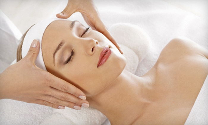 Picaflor Day Spa - Montgomery Business Park: 45-Minute Organic Oil Massage, 45-Minute All-Natural Facial, or Both at Picaflor Day Spa (Up to 55% Off)