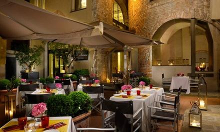Cena in torre bizzantina vicino Duomo