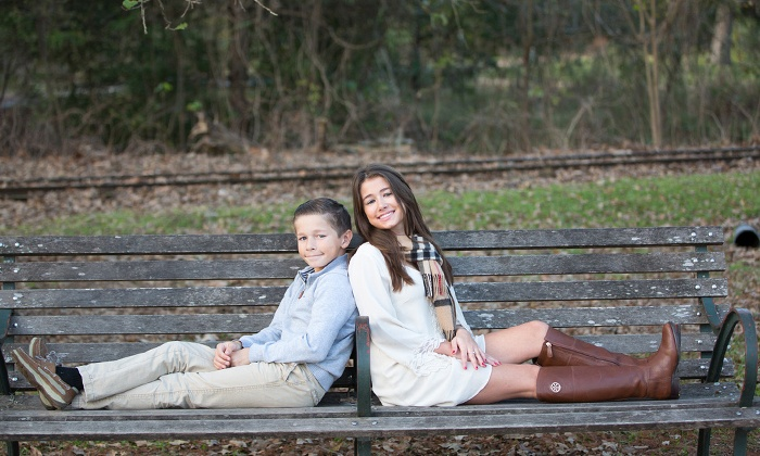 Color Tyme Photography - Houston: $59 for One-Hour On-Location Photo Shoot with Three Prints from Color Tyme Photography ($300 Value)