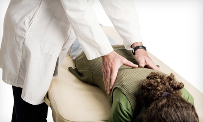 Country Club Chiropractic Center - Country Lake: $50 for a Chiropractic Exam with X-rays and Massage-Chair Treatment at Country Club Chiropractic Center ($150 Value)