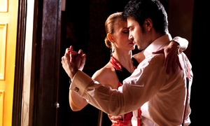 Tanzsportstudio: 10er-Karte für Standard- & Latin-Tänze, Zumba oder Hochzeitstanz in der Tanzschule Tanzsportstudio (bis zu 68% sparen*)