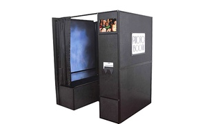 Illinois Photo Works: Two-, Three-, Four-, or Five-Hour Photo-and-Video-Booth Rental from Illinois Photo Works (Up to 47% Off)