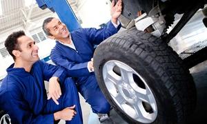 Autohaus Kneifel GmbH: Radwechsel mit Auswuchten und Pkw-Check, opt. mit Reifeneinlagerung,  bei Autohaus Kneifel GmbH (bis zu 69% sparen*)