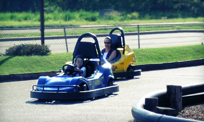 Lilli Putt Family Entertainment Center - Coon Rapids: $12 for Five Go-Kart or Bumper-Boat Rides at Lilli Putt Family Entertainment Center ($25 Value)
