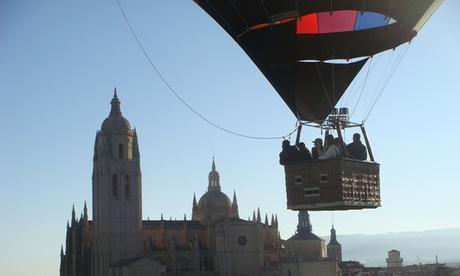 Paseo en globo para 1, 2 o 4 personas con cava, almuerzo y vídeo desde 160 € en Aerotours