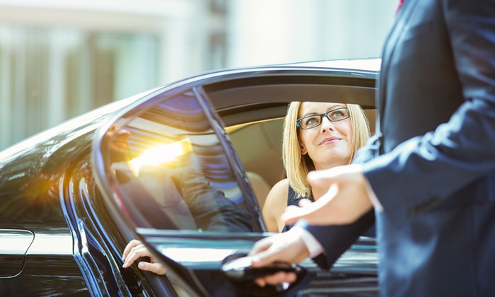 Kadar Limo Service - Minneapolis / St Paul: One-Way or Round-Trip Town-Car Airport Transportation from Kadar Limo Service (Up to 47% Off)