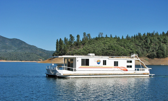 Silverthorn Resort - Redding, CA: 4- or 7-Night Stay in an Executive, Presidential, or Queen Houseboat for Up to 20 at Silverthorn Resort in Redding, CA