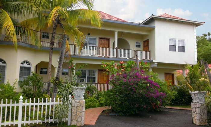 Rayon Hotel - Rayon Hotel: 3-, 4-, or 5-Night Stay for Two with Daily Breakfast and Airport Transfer at Rayon Hotel in Negril, Jamaica