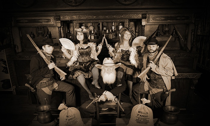 Three Bears General Store - Pigeon Forge: $12 for an Old-Timey Photo Shoot at Three Bears General Store ($60 Value)