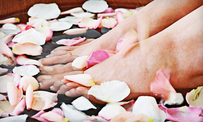 Migun of Charlotte - Falcon Bridge: $25 for Two Detoxifying Footbaths with One Month of Unlimited Thermal Massage at Migun of Charlotte ($70 Value)