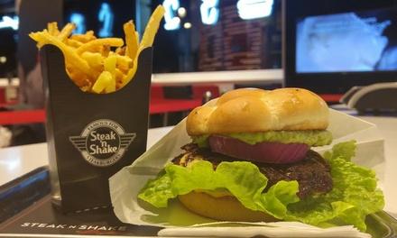 Menú de steakburgers dobles para 2 personas con patatas fritas, bebida y milkshake desde 16,95 € en Steak 'n Shake