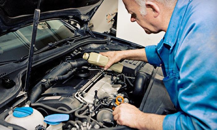 America's Best Car Care Plan - Idaho Falls: $59 for a Two-Year Car-Care Package with Eight Oil Changes from America's Best Car Care Plan ($279.95 Value)