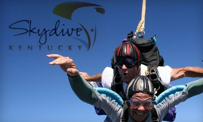 Skydive Kentucky - Elizabethtown: $137 for a Tandem Jump with Skydive Kentucky ($225 Value)