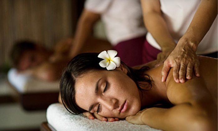A New Day Spa - Holladay: $79 for a Couple's Massage Package with Chocolate-Dipped Strawberries and Beverages at A New Day Spa ($190 Value)
