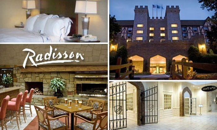 Radisson Castle Nashua - Southwest Nashua: $75 for an Executive Room and Dinner for Two at Radisson Castle Nashua (Up to $243.34 Value)