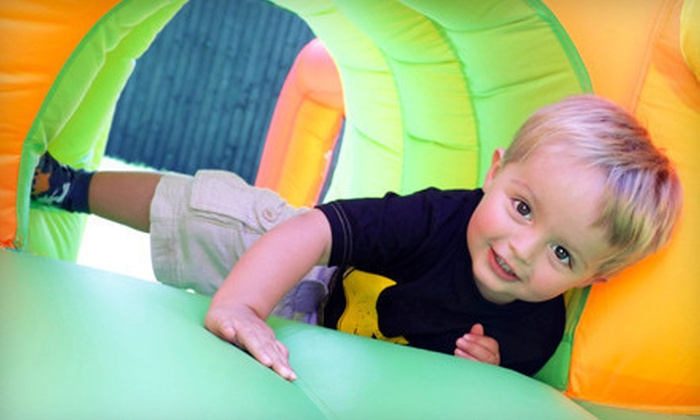 Bizzy Bee Bounce - Kansas City: $99 for a Six-Hour Bounce-House Rental with Setup and Delivery from Bizzy Bee Bounce ($250 Value)
