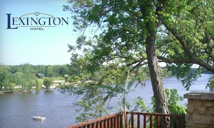 Cliffbreakers Riverside Resort - Rockford: One-Night Stay in a Suite at the Lexington Hotel at Cliffbreakers Resort. Choose Between Two Options.