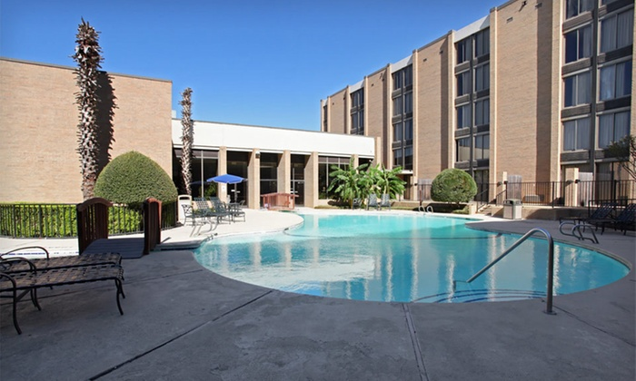 Admiral Hotel - Arlington, TX: One-Night Stay with Restaurant Credit at Admiral Hotel in Arlington, TX