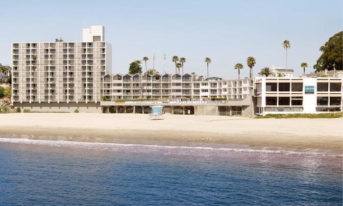 null - Santa Cruz / Monterey: Stay at Santa Cruz Dream Inn in CA