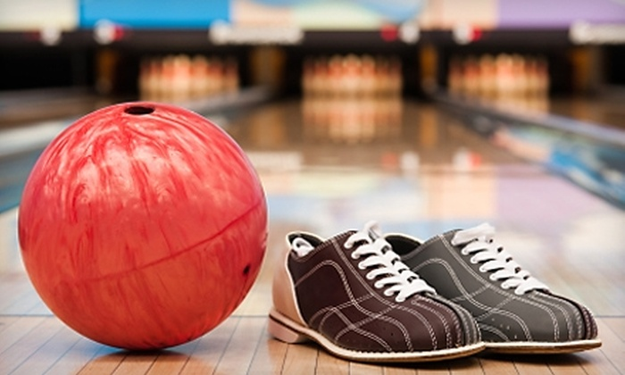 Manatee Lanes - Crystal River: $10 for Three Games of Bowling, One Shoe Rental, and a Large Pizza at Manatee Lanes (Up to $22 Value)