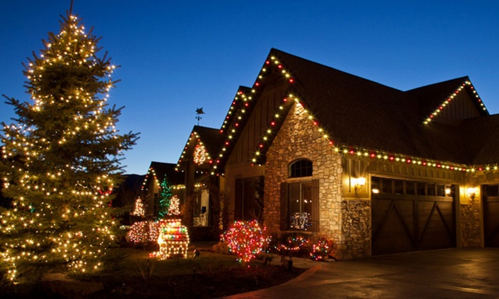 Lightning Electric International  - Tampa Bay Area: Holiday Light Packages with Lightning Electric International (Up to 60% Off). Six Options Available.
