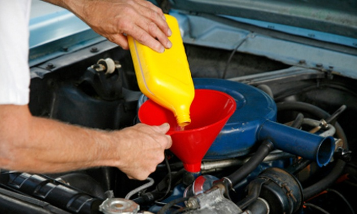 Jiffy Lube Eugene - Cal Young: $19 for an Oil Change at Jiffy Lube Eugene (Up to $37.99 Value).