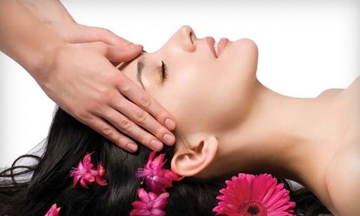 Rainbow Wellness Center and Spa - Rockville: $65 for a Customized Facial and Upper Body Massage at Rainbow Wellness Center and Spa in Rockville ($130 Value)