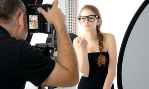 New Foto Show: Shooting fotografico di un'ora in sala posa con scatti illimitati (sconto fino a 97%)
