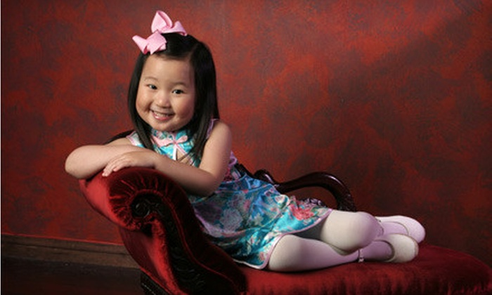Yuen Lui Studio - Multiple Locations: Family-Portrait Plan with Five Sittings or Single-Shoot Package from Yuen Lui Studio (Up to 79% Off)