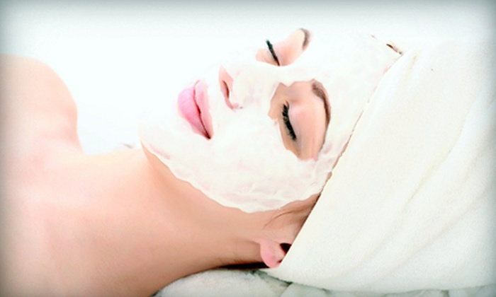 Facelogic Spa - University Park: $45 for a 50-Minute Signature Facial with Microdermabrasion at Facelogic Spa (Up to $148 Value)