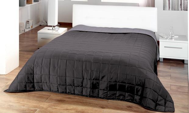 zweifarbige stepp tagesdecke groupon goods. Black Bedroom Furniture Sets. Home Design Ideas